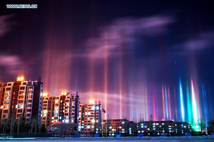 light-pillars-night-sky-ontario-timothy-joseph-elzinga-20-58788ef393351__880
