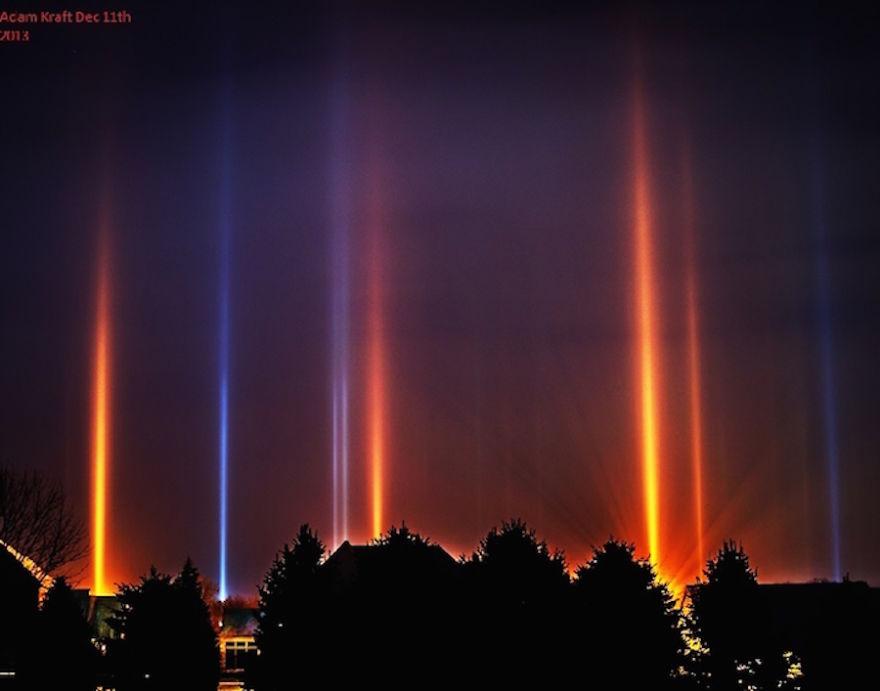 light-pillars-night-sky-ontario-timothy-joseph-elzinga-28-58788f04d578a__880