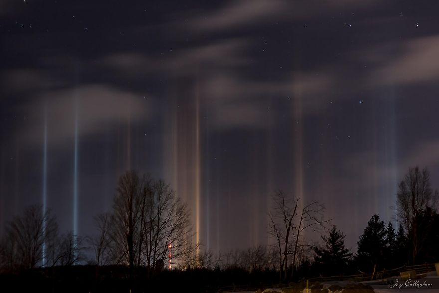 light-pillars-night-sky-ontario-timothy-joseph-elzinga-41-58788f2598e89__880